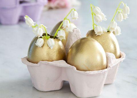 Golden eggs flower vase