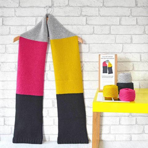 Knitted scarf - knitting kit
