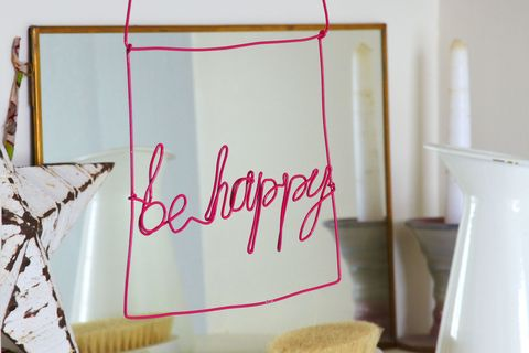 DIY Gifts:be happy sign