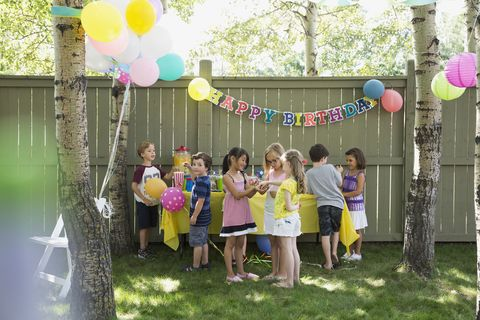 How To Throw A Kids Birthday Party At Home
