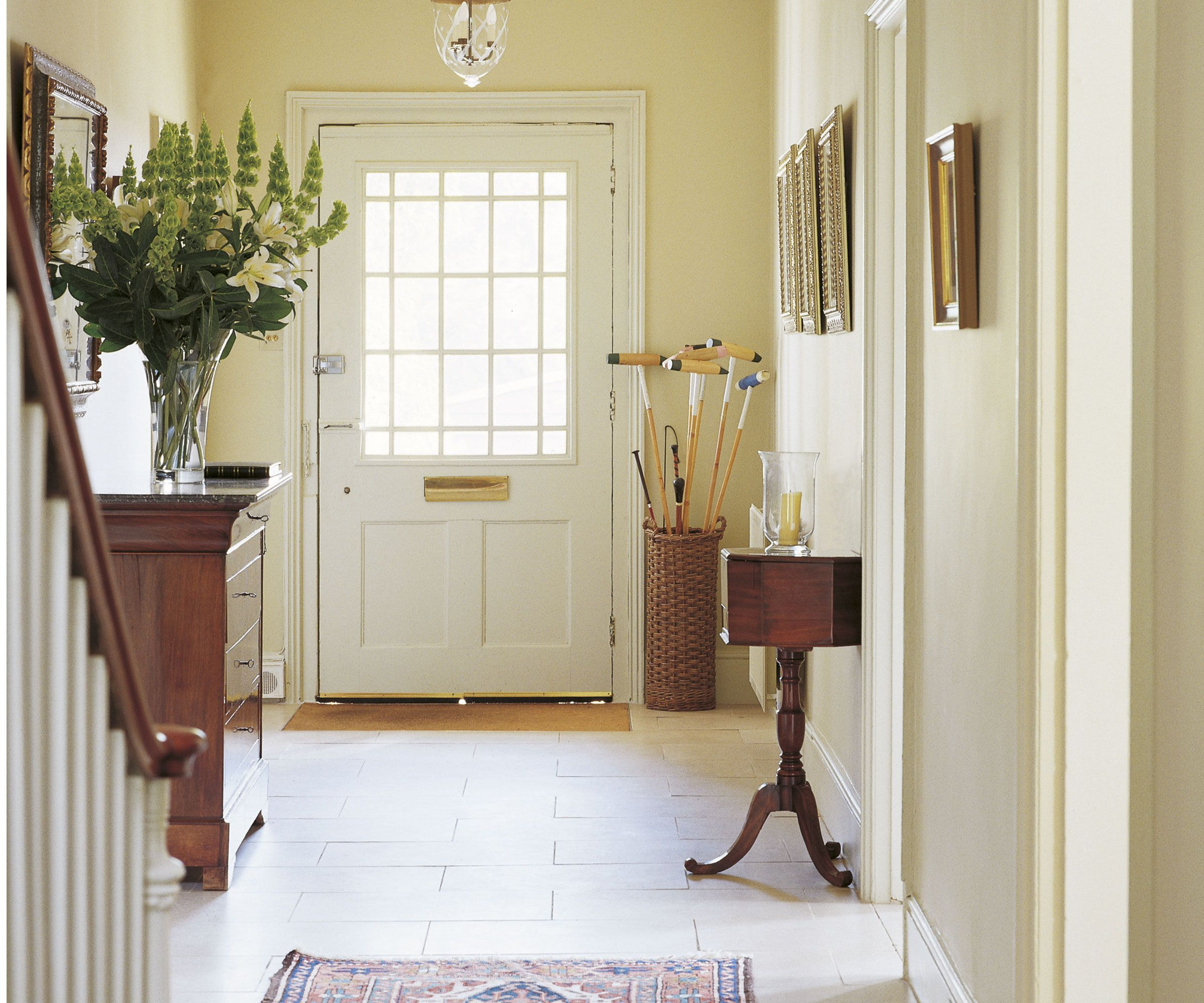 Hallway Decorating Ideas To Make The Most Of Your Entrance Way