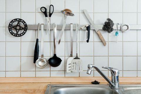Plumbing fixture, Kitchen sink, Tap, Sink, Kitchen utensil, Cutlery, Plumbing, Composite material, Household hardware, Spoon,
