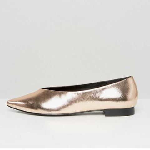Brown, Tan, Natural material, Beige, Leather, Silver, Ballet flat,