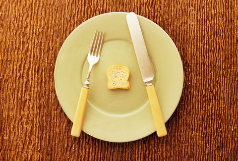 Low carb diet versus low fat diet: Which is better?