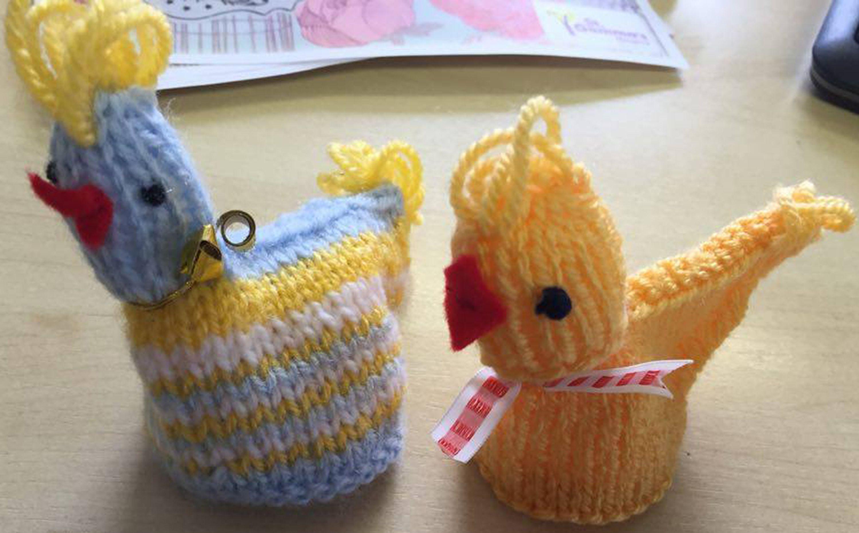 Free knitting pattern: Easter chick