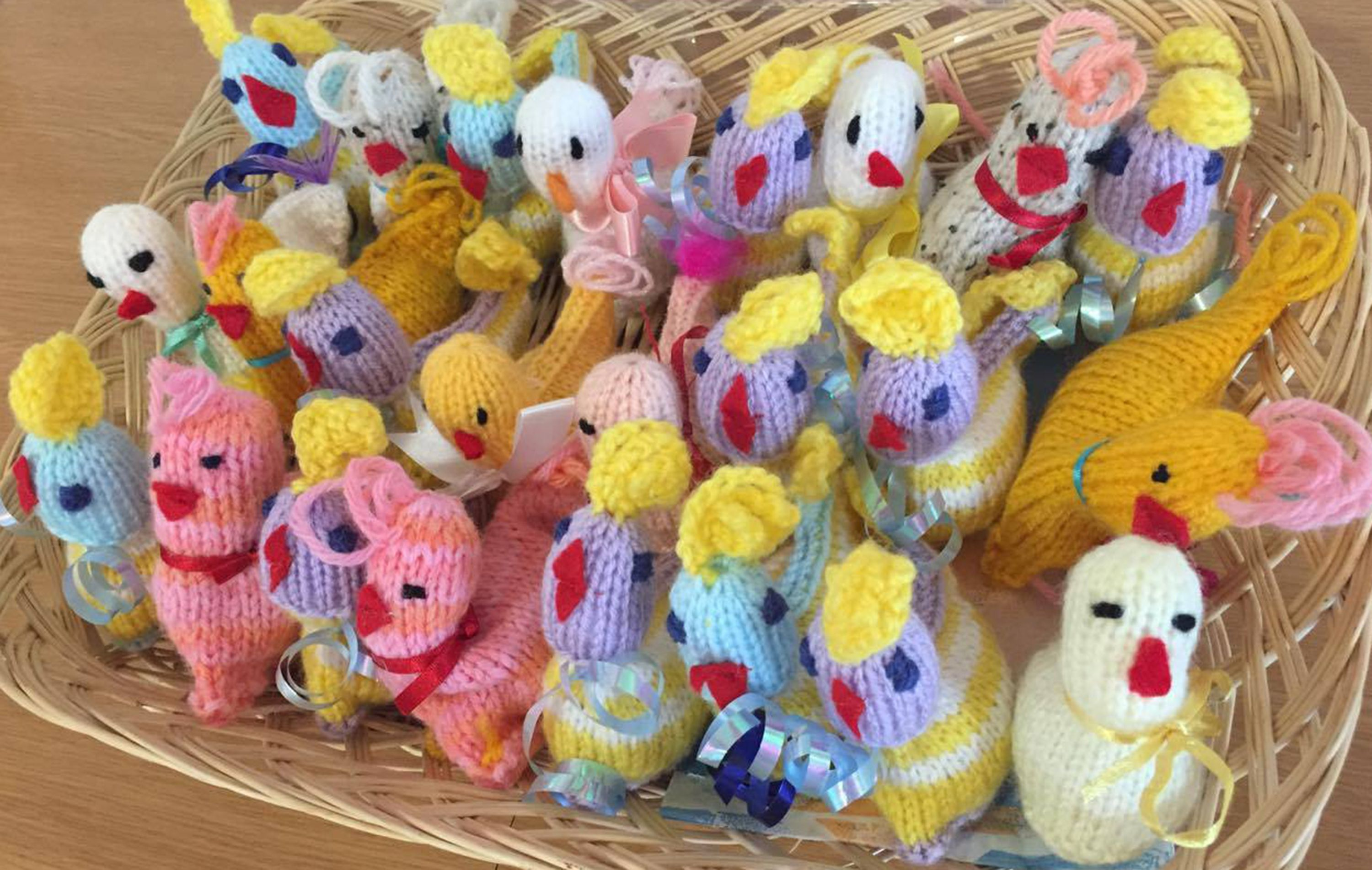 People are knitting Easter chicks to help those with life ...