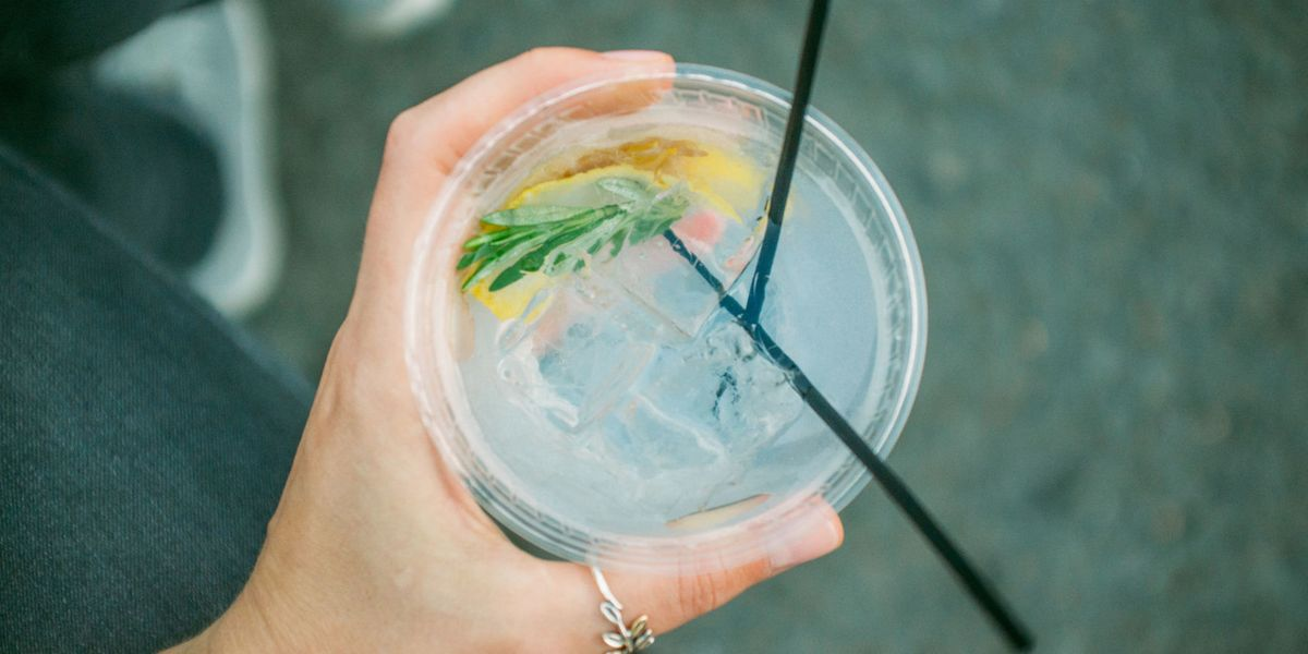 This vending machine gives away free gin and tonics