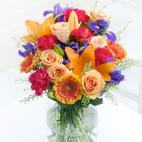 Bouquet, Petal, Flower, Cut flowers, Floristry, Flower Arranging, Flowering plant, Rose family, Garden roses, Floral design,