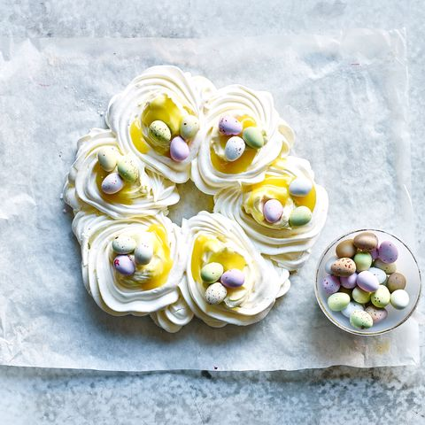 Lemon Pavlova For Easter