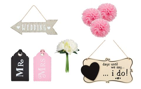 Mr and Mrs luggage tags, wedding signs and accessories