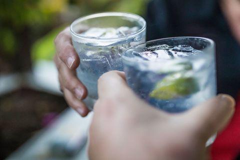 Fluid, Finger, Glass, Liquid, Cocktail, Drinkware, Drink, Alcoholic beverage, Distilled beverage, Ingredient,