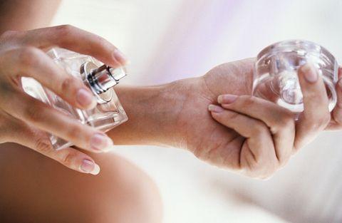 Skin, Nail, Hand, Water, Finger, Human, Ring, Perfume, Alcohol, Gesture,