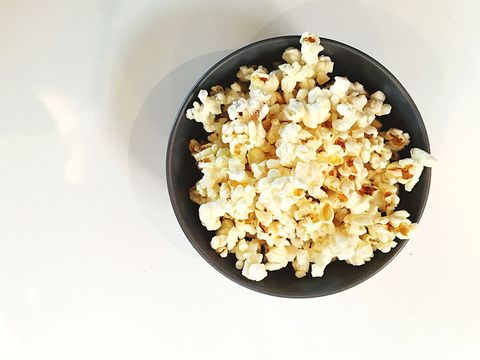Popcorn, Kettle corn, Food, Cuisine, Recipe, Vegetarian food, Cookware and bakeware, Snack, Staple food, Comfort food,