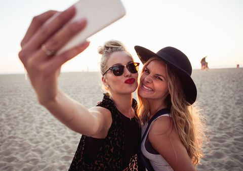 Friends in photo