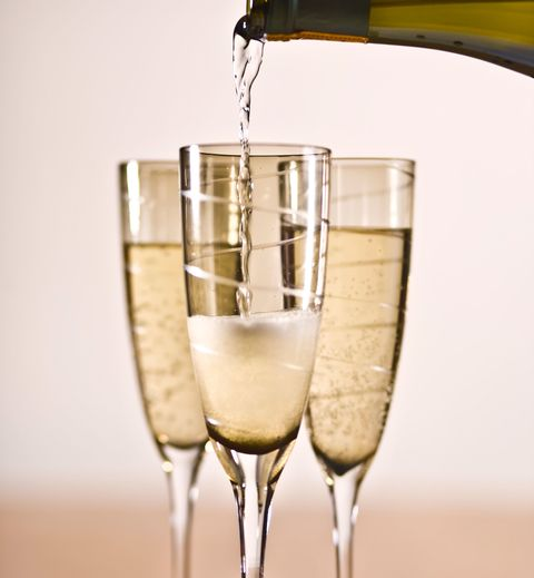 You've Been Pouring Prosecco All Wrong: How To Pour Prosecco