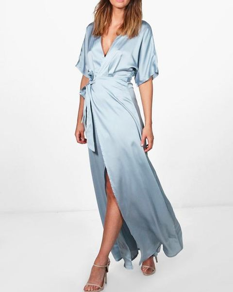 Clothing, Dress, Fashion model, Day dress, Sleeve, Shoulder, Neck, Robe, Fashion, Gown,