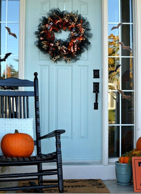 How To Make A Halloween Wreath With Ribbons