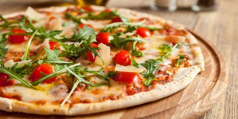 12 small things you can do to make eating pizza healthier
