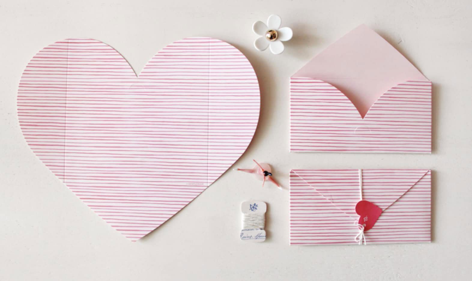 Valentine's Day Crafts - How to Fold an Origami Heart Envelope ... | 936x1572