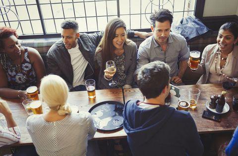 friends pub drinking