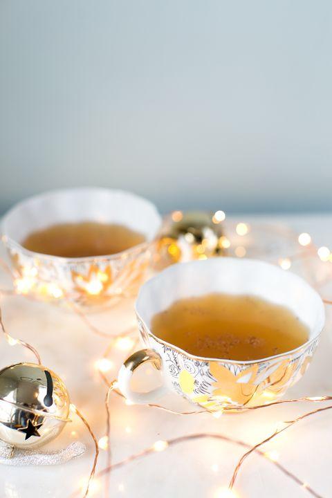 Liquid, Serveware, Drink, Drinkware, Ingredient, Dishware, Tea, Amber, Tableware, Teacup,
