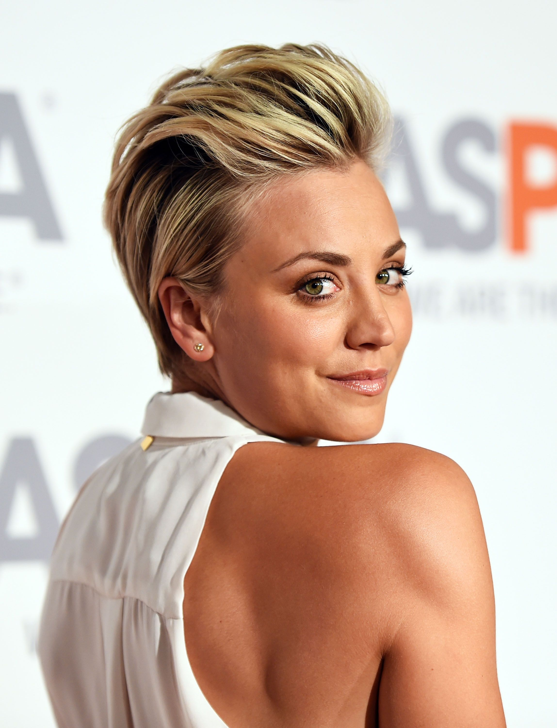 Kaley Cuoco Sweetings Law Of Happiness