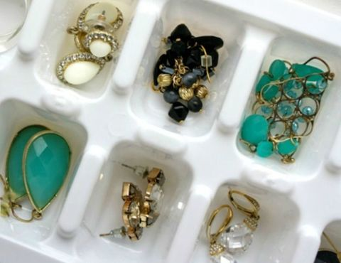 ice cube jewelry organizer