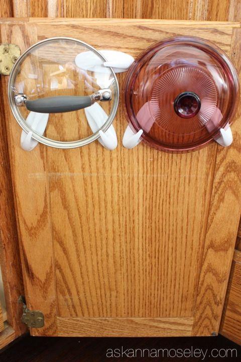 Motor vehicle, Brown, Wood, Automotive lighting, Classic car, Classic, Hardwood, Antique car, Tan, Vintage car,
