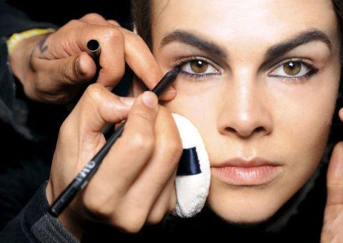 Finger, Lip, Cheek, Skin, Eyebrow, Eyelash, Nail, Organ, Beauty, Photography,