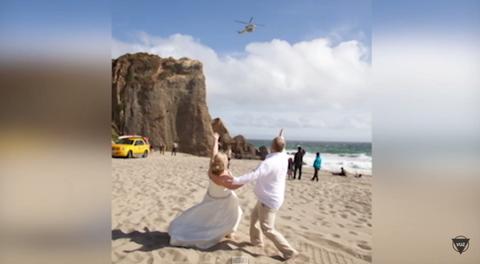 Coastal and oceanic landforms, Fun, Natural environment, Sand, Tourism, Photograph, Landscape, Leisure, Flight, Dress,
