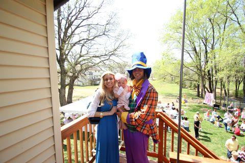 Hat, Dress, Sun hat, Garden, Siding, Park, Love, Fedora, Fence, Backyard,