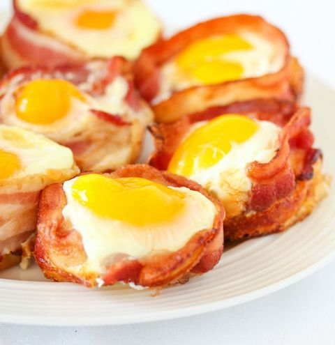Egg yolk, Food, Ingredient, Egg white, Meal, Fried egg, Breakfast, Egg, Dish, Fast food,