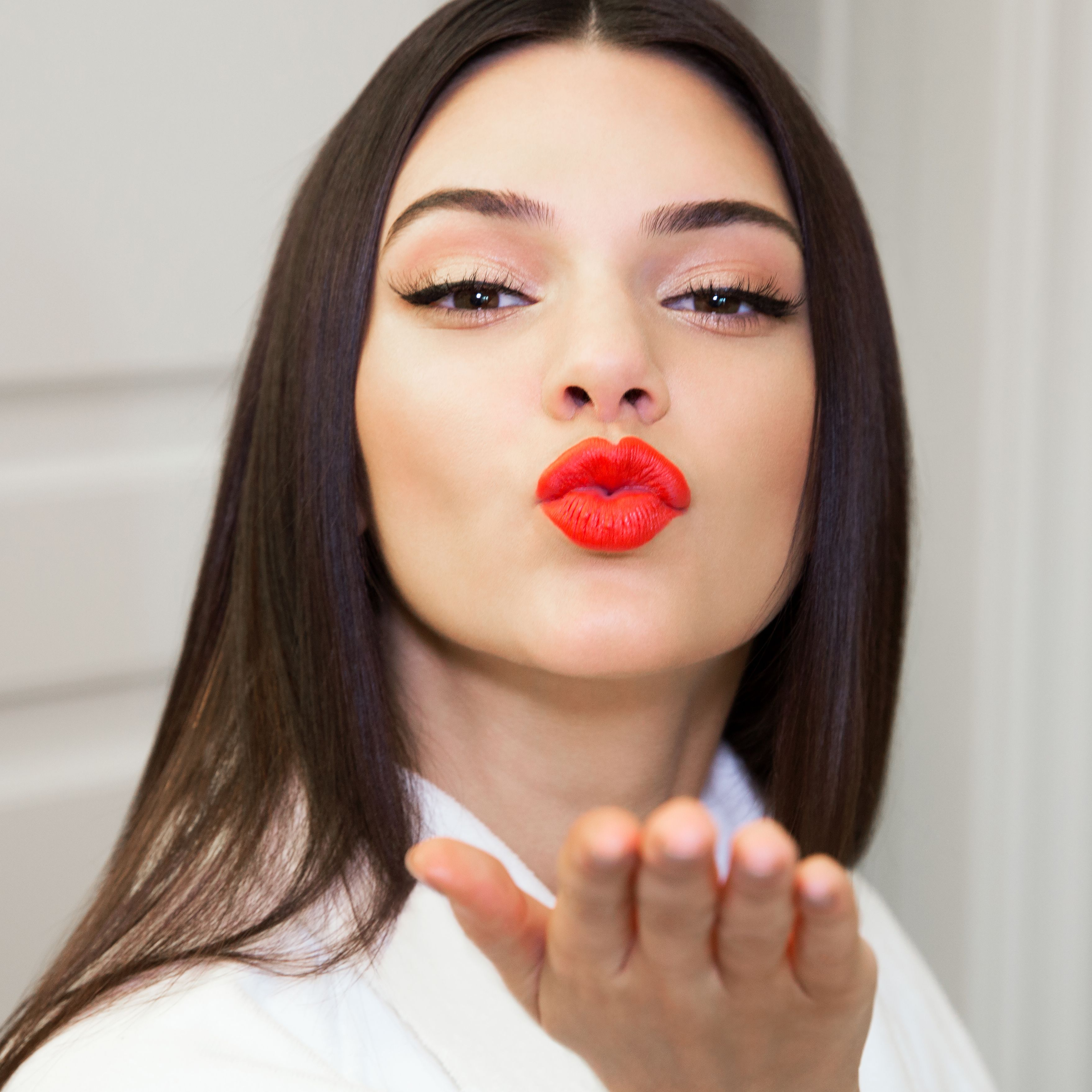 9df2e2316a6 The best summer lip color, according to Kendall Jenner