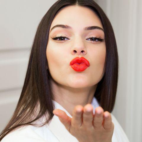 Finger, Mouth, Lip, Cheek, Hairstyle, Skin, Chin, Eyebrow, Eyelash, Jaw,