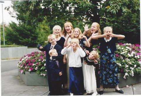 People, Social group, Bouquet, Dress, Petal, Formal wear, Suit, Floristry, Flower Arranging, Ceremony,