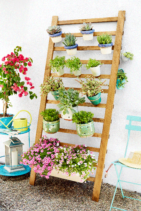 How to Make A Vertical Garden - DIY A Vertical Garden in 3 ...