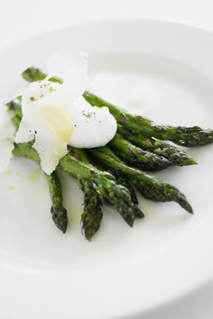 Dishware, Food, Ingredient, White, Produce, Vegetable, Serveware, Cuisine, Plate, Recipe,