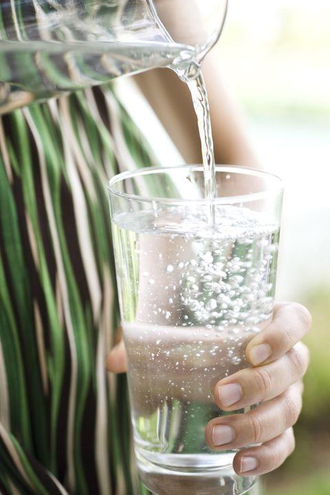 Liquid, Fluid, Drinkware, Glass, Barware, Drink, Tableware, Alcoholic beverage, Transparent material, Stemware,