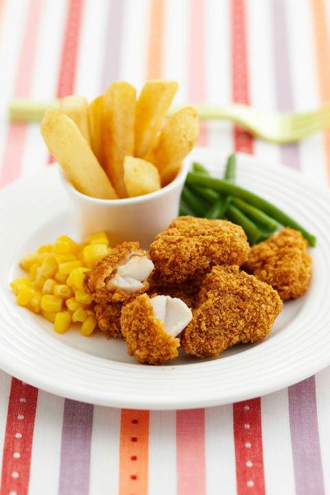 Food, Finger food, Fried food, Deep frying, French fries, Dish, Dishware, Tableware, Ingredient, Produce,