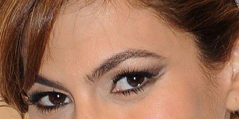 Ear, Lip, Hairstyle, Chin, Forehead, Eyebrow, Eyelash, Hair accessory, Style, Fashion accessory,