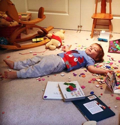 Human, Human body, Room, Home, Lamp, Comfort, Toy, Interior design, Toddler, Play,
