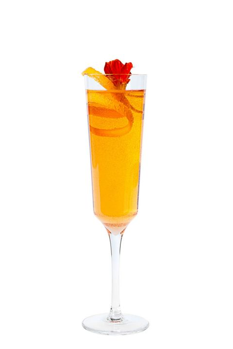 Liquid, Drink, Alcoholic beverage, Drinkware, Glass, Classic cocktail, Tableware, Cocktail, Amber, Ingredient,