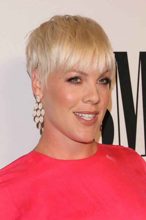 30 Short Hairstyles For Thick Hair 2017 Women S Haircuts