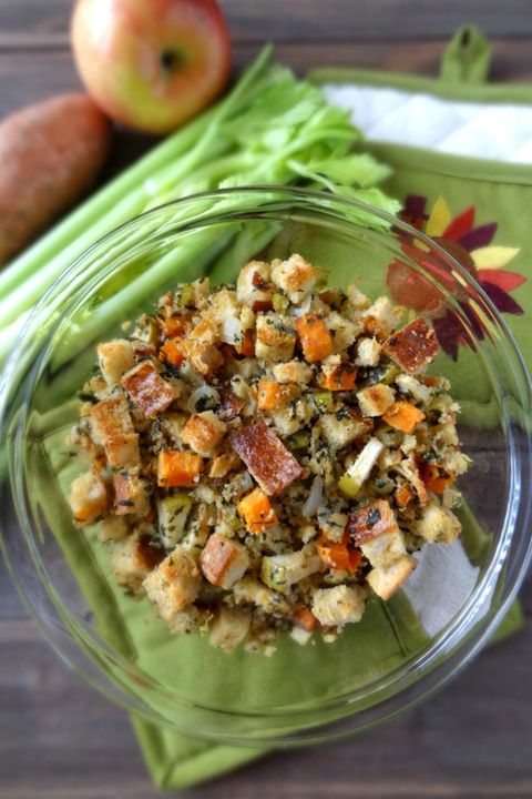 Food, Cuisine, Ingredient, Vegan nutrition, Apple, Produce, Tableware, Recipe, Whole food, Dish,