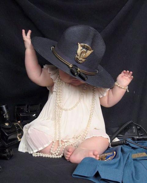 Hat, Dress, Bag, Headgear, Costume accessory, Costume, Sun hat, Costume hat, Fedora, Shoulder bag,