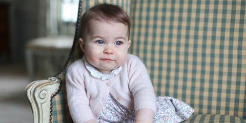 Ear, Nose, Cheek, Eye, Sleeve, Textile, Child, Pattern, Baby & toddler clothing, Iris,