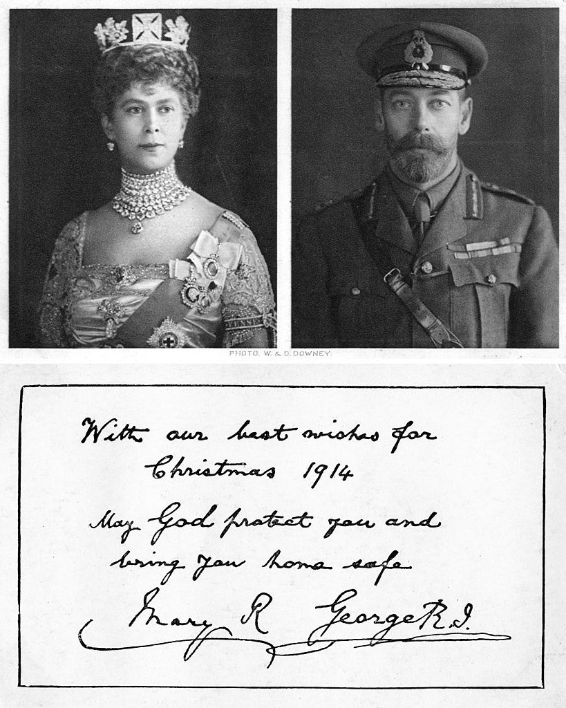 Royal christmas greeting card to the British troops, 1914. Front and back of postcard.