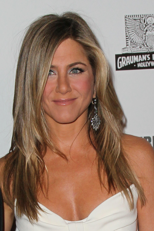 Jennifer Anistons Best Hairstyles Jennifer Anistons Hair Through