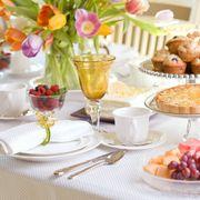 Serveware, Sweetness, Dishware, Food, Cuisine, Drinkware, Tableware, Tablecloth, Dessert, Table,