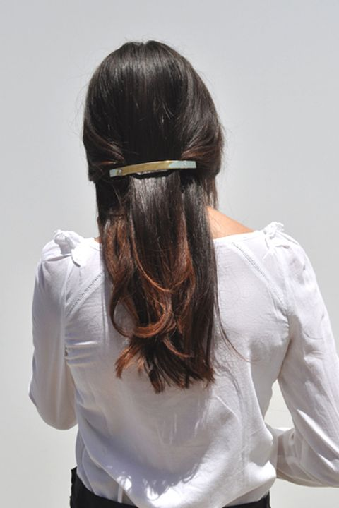 Clothing, Hairstyle, Sleeve, Shoulder, Style, Back, Neck, Hair accessory, Liver, Long hair,